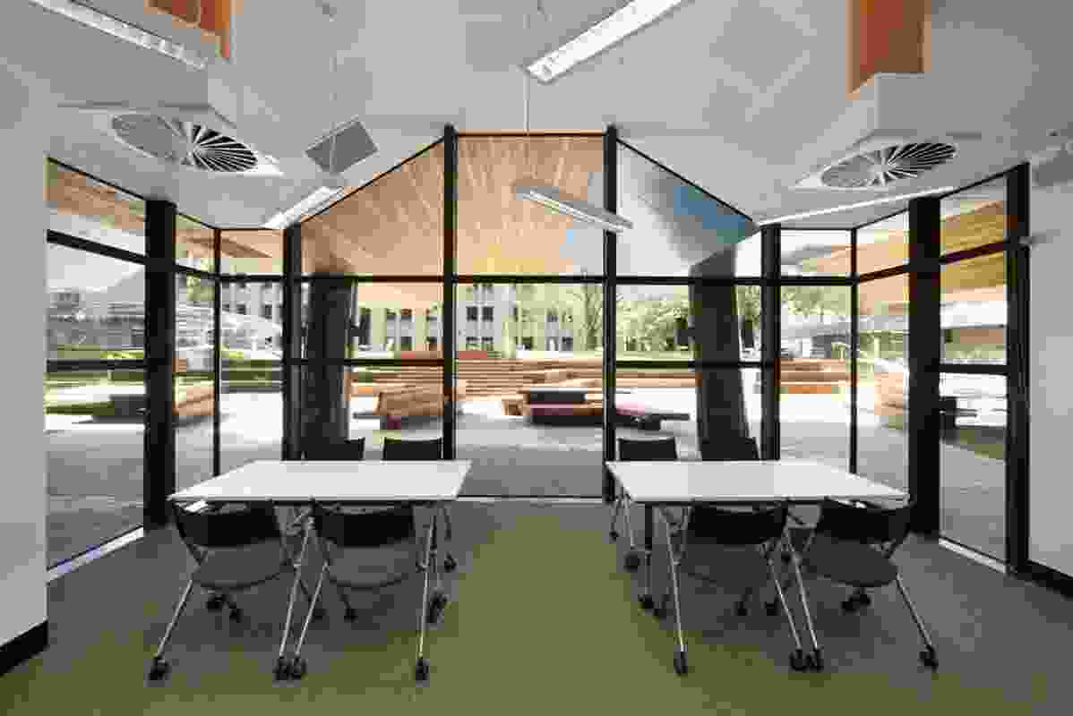 Learning rooms link to external breakout spaces.