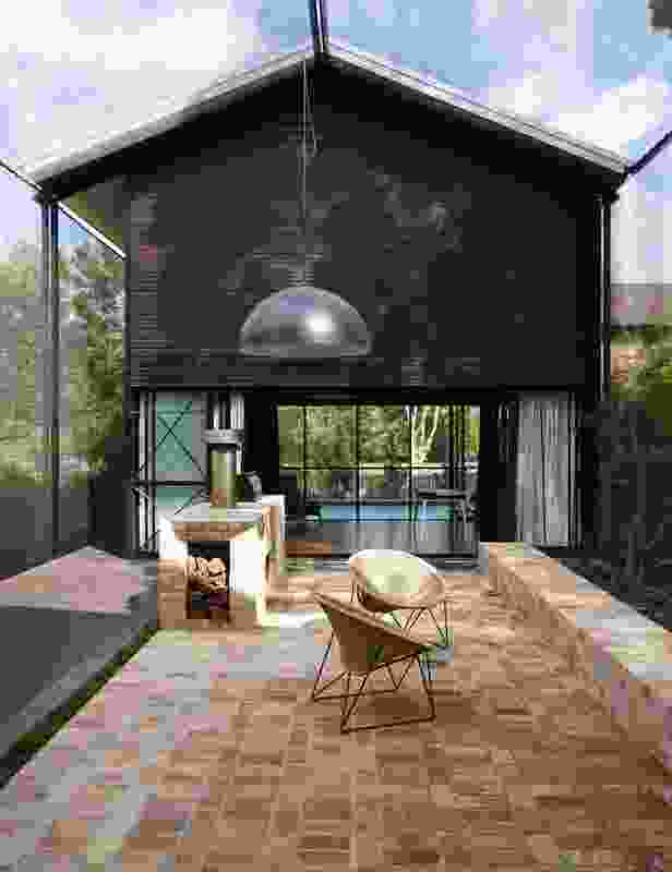 Oxlade Drive House (Qld) by James Russell Architect.