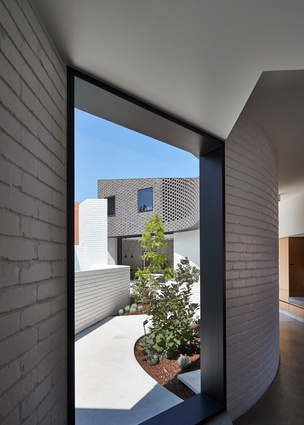 Perimeter House in Abbotsford, Melbourne by Make Architecture.