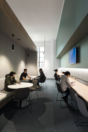 The north wing student space is intended to be informal, non-hierarchical and relaxed so students feel at ease.
